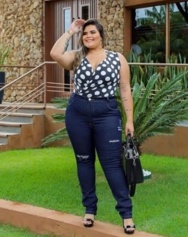 Calça Jeans Plus Size com Destroyed